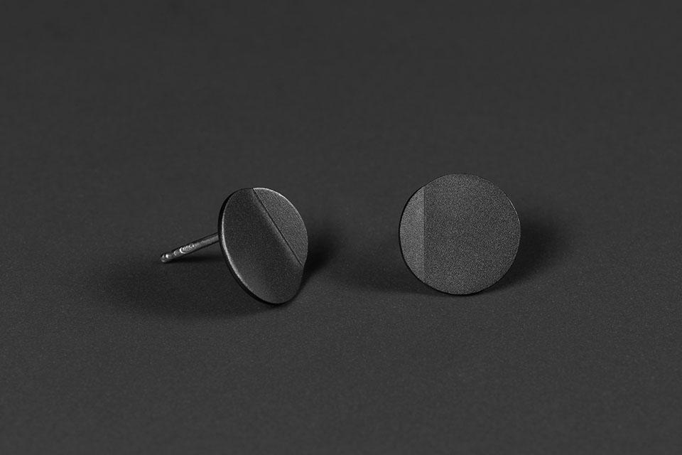 luna-oxidized-silver-II-1